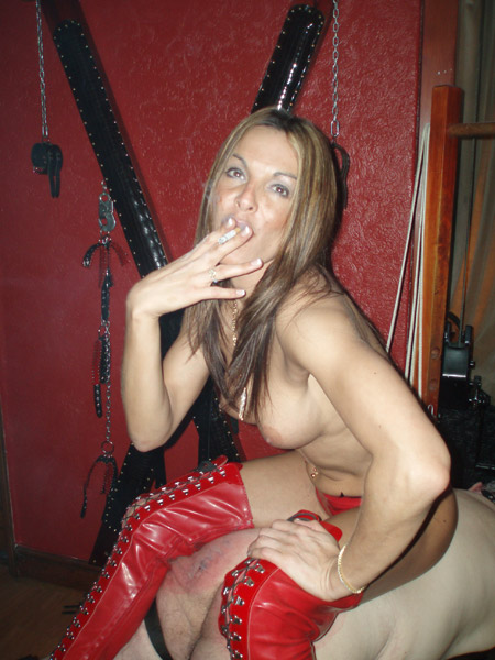 Mistress beverley pissing uk